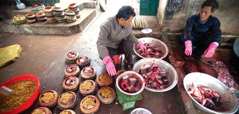 Làng Vũ Đại đắt khách món cá kho Chí Phèo (3)