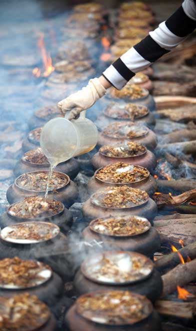 Làng Vũ Đại đắt khách món cá kho Chí Phèo (2)