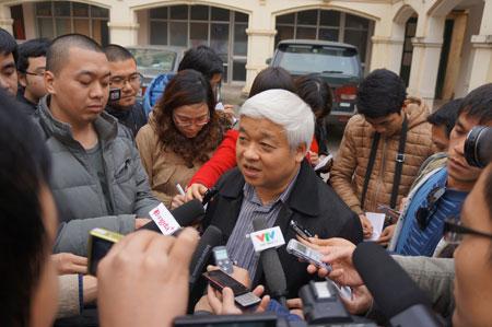 """Bầu Kiên tỏ ra """"quá nhanh, quá nguy hiểm"""" khi đại diện cho VPF ký thỏa thuận với VTV. Ảnh: Minh Tú."""