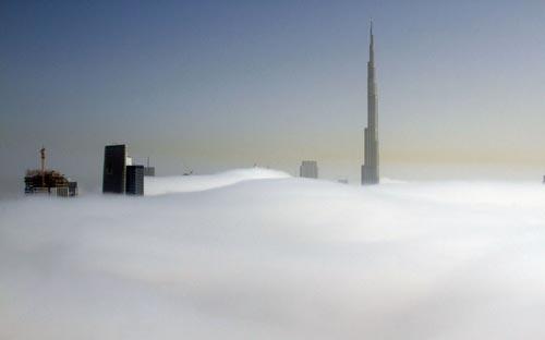 Những tòa nhà 'mọc lên từ mây trắng' ở Dubai