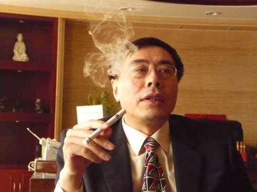 Hon Lik - Người sáng chế ra E-Cig.