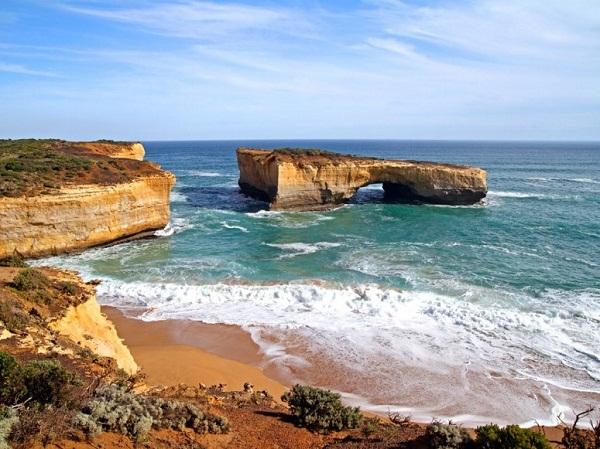 Những cây cầu đá tự nhiên hùng vĩ nhất thế giới (5)