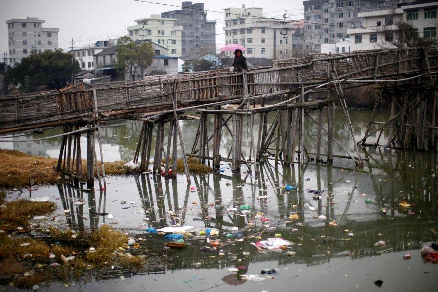 Hình ảnh đáng sợ về những nguồn nước 'chết' ở Trung Quốc (14)
