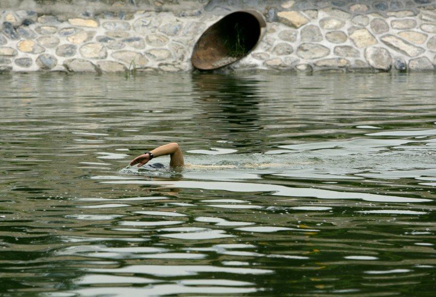 Hình ảnh đáng sợ về những nguồn nước 'chết' ở Trung Quốc (22)