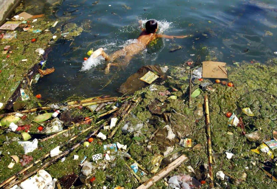 Hình ảnh đáng sợ về những nguồn nước 'chết' ở Trung Quốc (5)