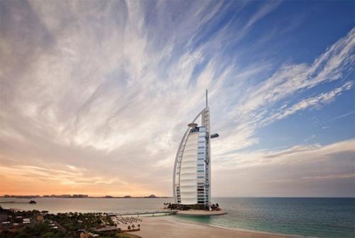 Khám phá khách sạn số 1 thế giới ở Dubai