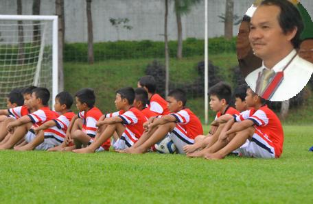 Bầu Đức và LĐBĐ Lào đã đạt được thỏa thuận về việc xây dựng một Học viện bóng đá giống như mô hình của HAGL-Arsenal JMG đóng tại tỉnh Attapeu, Lào.
