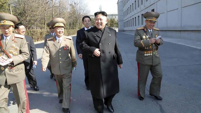 Quân đội Triều Tiên làm gì để bảo vệ Kim Jong-un khỏi bị ám sát?