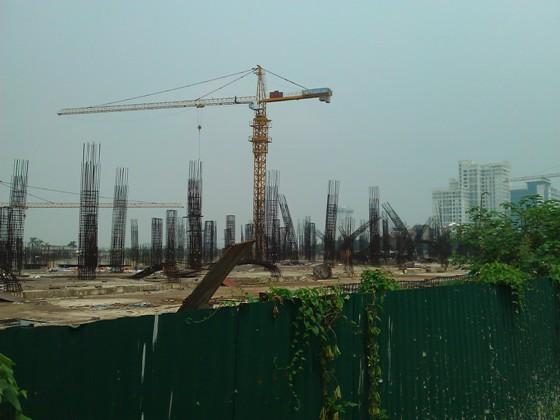 """Cận cảnh """"bãi chông sắt"""" hoen gỉ khổng lồ tại TTTM Ciputra Hanoi Mall (4)"""