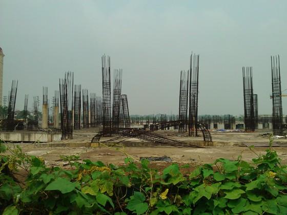 """Cận cảnh """"bãi chông sắt"""" hoen gỉ khổng lồ tại TTTM Ciputra Hanoi Mall (7)"""