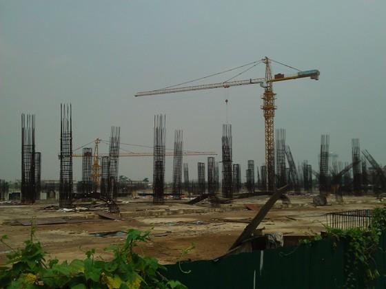 """Cận cảnh """"bãi chông sắt"""" hoen gỉ khổng lồ tại TTTM Ciputra Hanoi Mall (8)"""