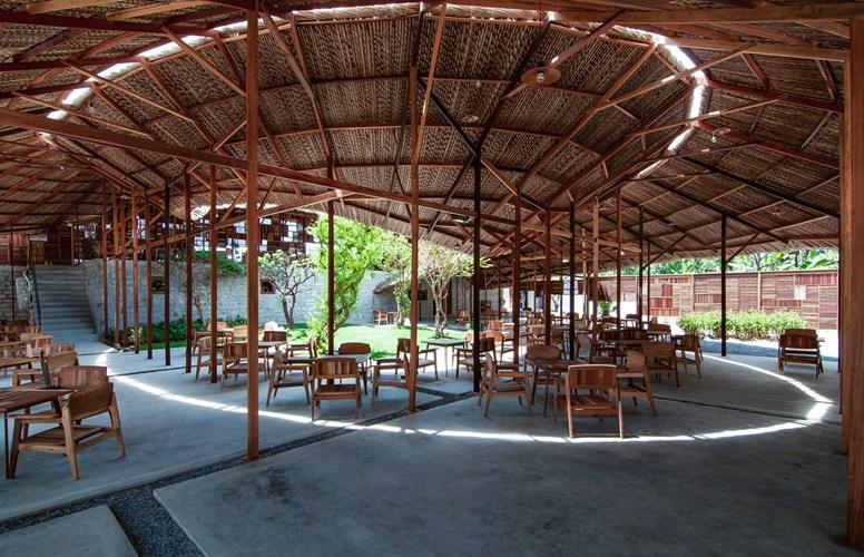 Cận cảnh nhà gỗ Việt Nam lọt