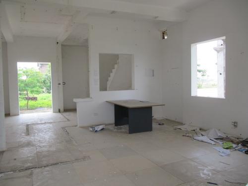 Đắng lòng nhìn cảnh hoang tàn tại dự án Tricon Towers (4)