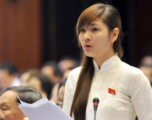 Đại biểu nhan sắc Vũ Thị Hương Sen nói thẳng nạn phong bì
