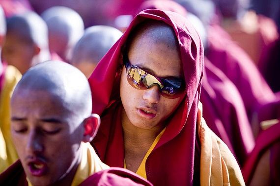 Bất động sản - Hành hương đến Tây Tạng, để ... né thuế