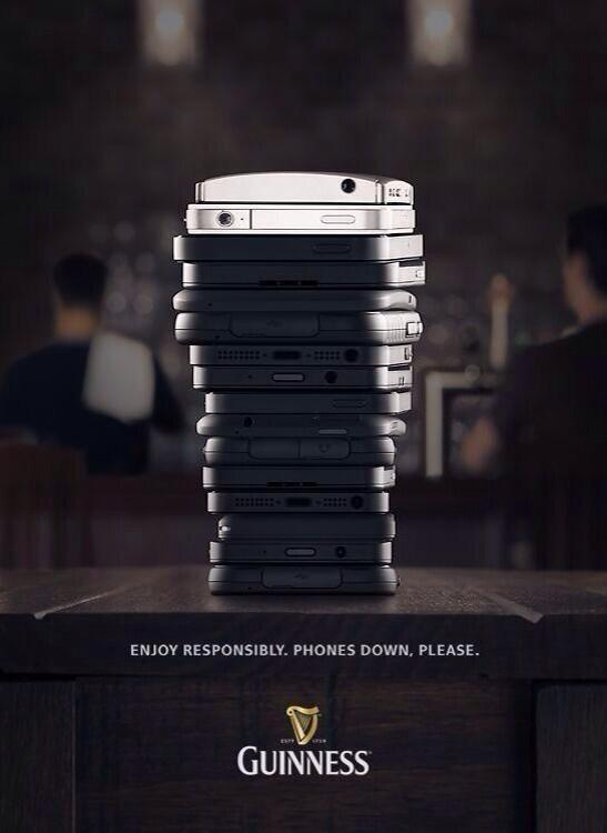 Đang nhậu, cấm sờ smartphone