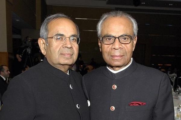 Hai anh em tỷ phú Sri và Gopi Hinduja người gốc Ấn Độ. Ảnh: Thetimes