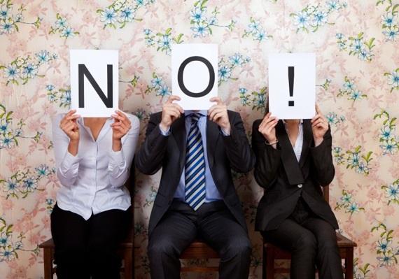 Phải làm gì khi khách hàng là người sai hoàn toàn?