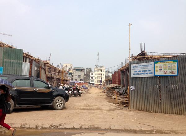 Khu biệt thự được rao bán gần 100 triệu đồng/m2 tại phố Triều Khúc đang thi công
