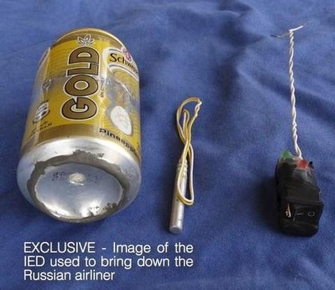 Các vật liệu mà IS tuyên bố dùng để chế tạo quả bom cài trên máy bay Nga. Ảnh Reuters