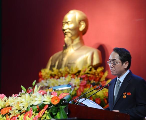 Phó Bí thư Tỉnh ủy Bùi Thanh Hà tổng hợp và tiếp thu các ý kiến tham gia Văn kiện tại Đại hội