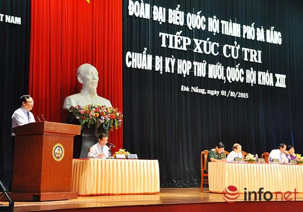 Phó Chủ tịch Quốc hội Huỳnh Ngọc Sơn phát biểu tại buổi tiếp xúc cử tri TP Đà Nẵng sáng 1/0 (Ảnh: HC)