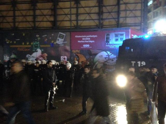 Cảnh sát tập trung ở trung tâm Istanbul