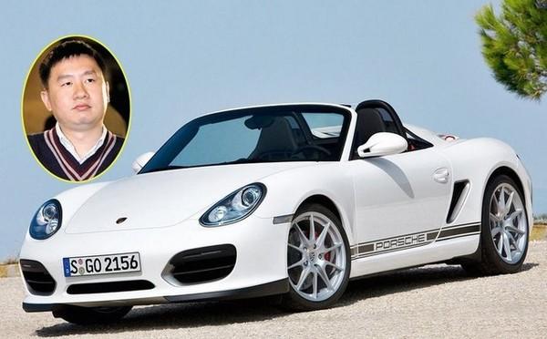 Chiếc xe Porsche mà Trương Lượng hay sử dụng.