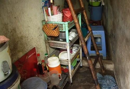Cận cảnh không gian trong ngôi nhà tí hon của ông Trần Văn Đỏ