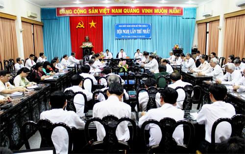 Phiên họp thứ nhất Ban Chấp hành Đảng bộ khóa X bầu Ban Thường vụ, Bí thư, các Phó Bí thư. (Ảnh: Thanh Trần)
