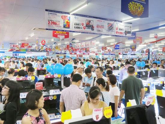 Ngày 23/7, CTCP Thế giới số Trần Anh chính thức khai trương điểm kinh doanh tại số 18 Phạm Hùng.