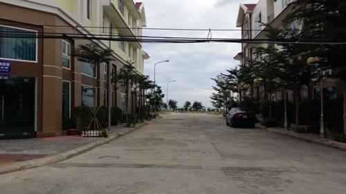 Khu nhà phố đầu tiên được đầu tư hoàn thiện thuộc dự án khu đô thị biển.