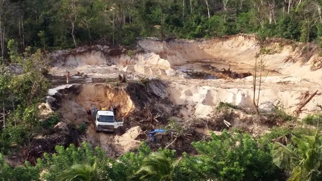 Tập đoàn Vingroup đang hối hả trên công trường xây dựng một số hạng mục của giai đoạn mở rộng dự án Vinpearl Phú Quốc.
