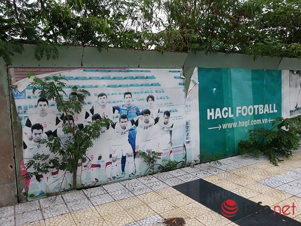 Hình ảnh đội tuyển U.19 Việt Nam vàHọc viện bóng đá HAGL - Arsenal – JMG bạc thếch