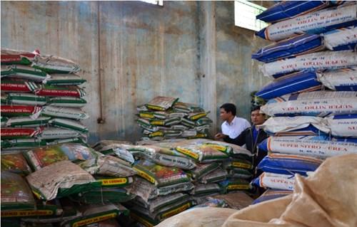 Thủ kho Thao xác nhận đây là hàng phân bón lá của Cty.