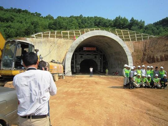 Đơn vị thi công hầm Phú Gia cam kết sẽ hoàn thành đúng tiến độ