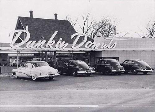 Những của hàng Dokin Donuts đầu tiên