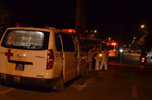 Xe cứu thương có mặt tại hiện trường