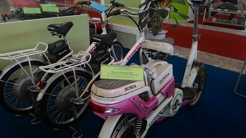 Xe đạp điện Honda cũng được làm giả một cách tinh vi - Ảnh - Kiều Linh