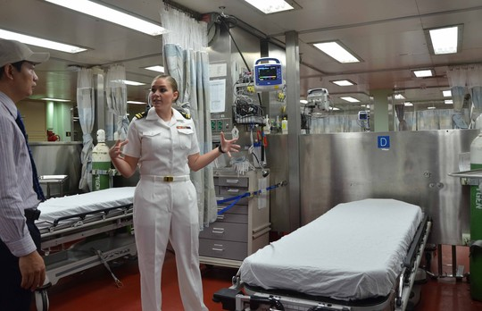 1000 giường điều trị được trang bị trên tàu bệnh viện USNS Mercy