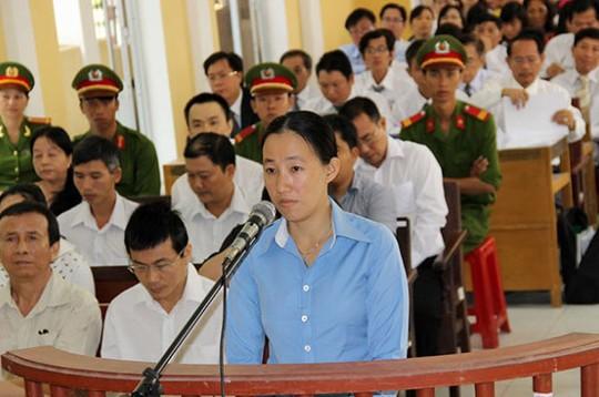 Bị cáo Trịnh Thị Hồng Phượng nhận 12 năm tù