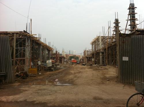 Hiện tại các căn biệt thự tại đây đang được xây dựng phần thô