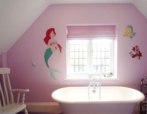 Những nhân vật hoạt hình hiện hữu ngay tại phòng tắm của bé.