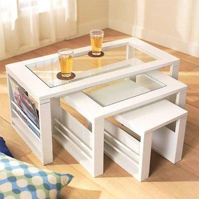 Chiếc bàn này được thiết kế vô cùng thông minh, khi nhà không có khách bạn có thể xếp chồng chúng lên nhau gọn gàng thành một chiếc bàn hợp nhất, giúp giải phóng không gian sống.
