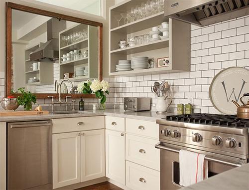 Treo gương trong nhà bếp có thể gây nên những việc không mong muốn