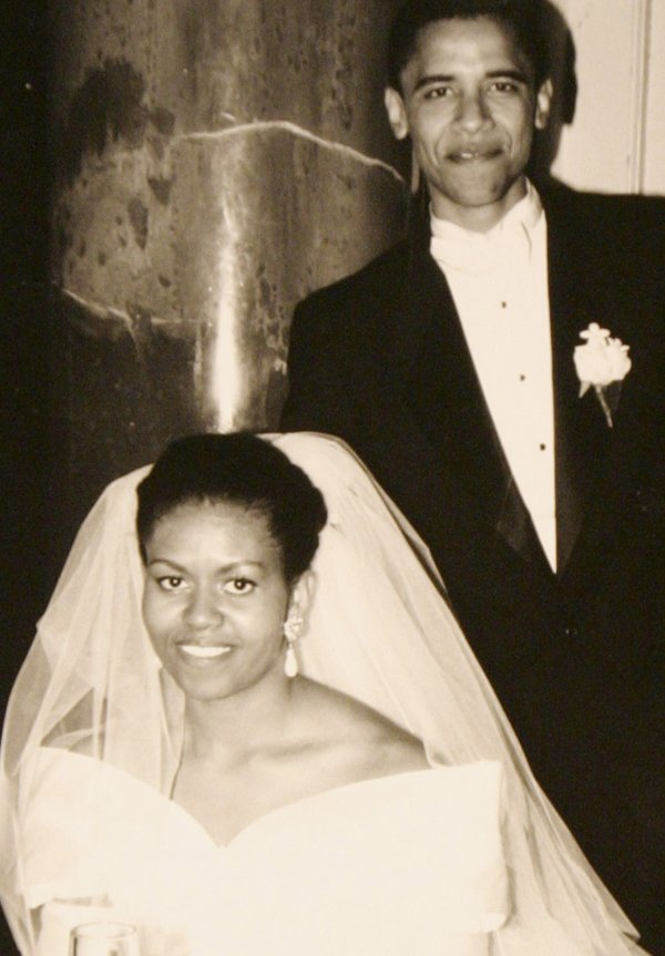 Barack Obama và Michelle Obama chính thức nên duyên vợ chồng vào ngày 18/10/1992.