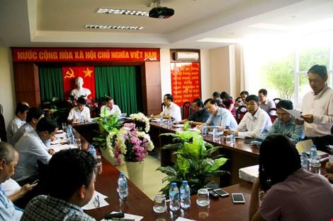 Cuộc họp được tổ chức sáng9-1 tại UBND quận 7 với sự chủ trì của Sở Xây dựng