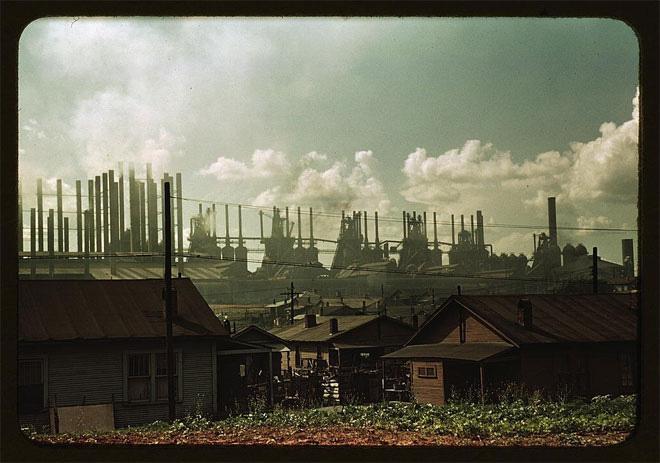Một khu dân cư gần nhà máy, ảnh chụp khoảng giữa năm 1941-1942.