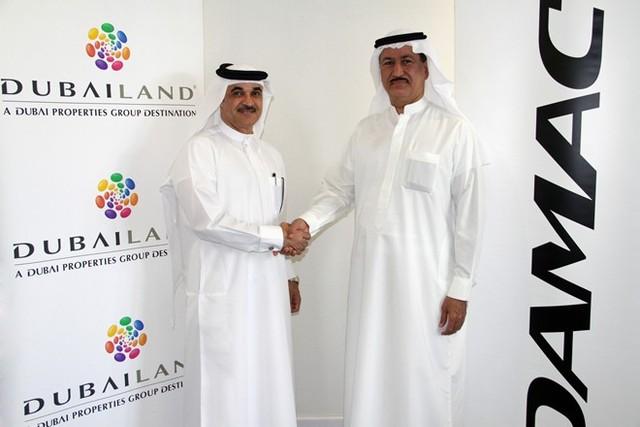 Tốt nghiệp cử nhân Đại học Washington ngành Kỹ thuật Công nghiệp và Kinh tế, Sajwani là nhà sáng lập kiêm Chủ tịch Damac Properties , công ty bất động sản hàng đầu Dubai cũng như thế giới.