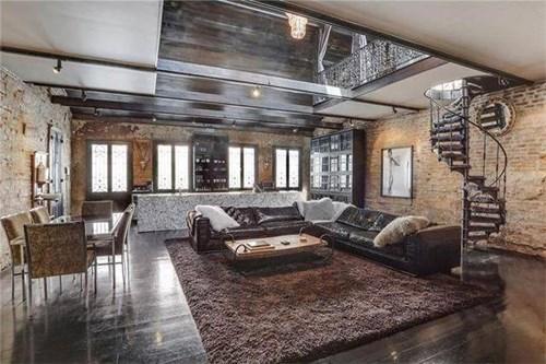 Ảnh chụp nội thất một ngôi nhà cổ 200 tuổi trị giá 1,6 triệu USD tại New Orleans (Mỹ) vừa được đăng trên Internet đã khiến cư dân mạng kinh ngạc.